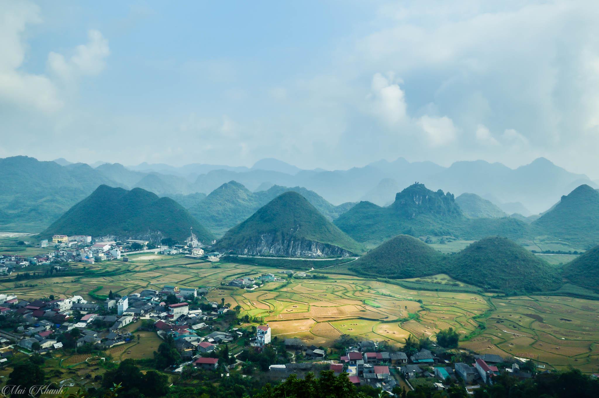 Toàn cảnh thị trấn Tam Sơn