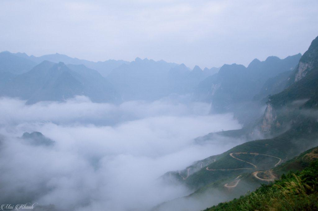 Biển mây bên đèo Tà Làng