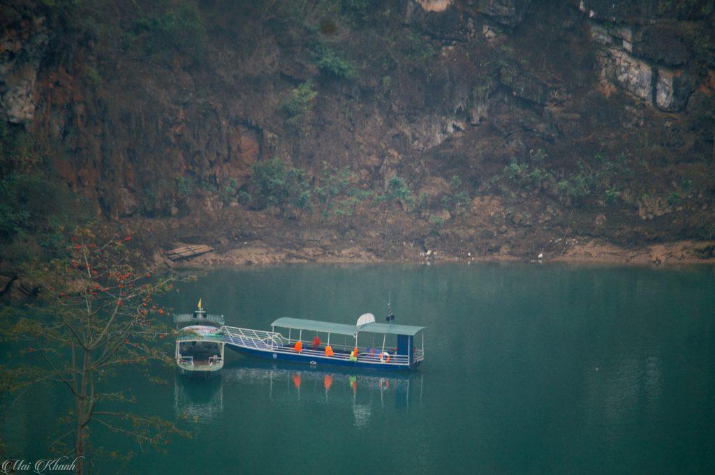 Bến thuyền ở Tà Làng