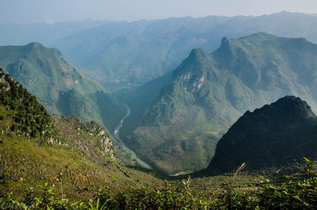 Mã Pì Lèng bên dòng sông Nho Quế