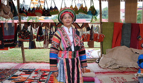 Try the unique linen products of the Hmong people